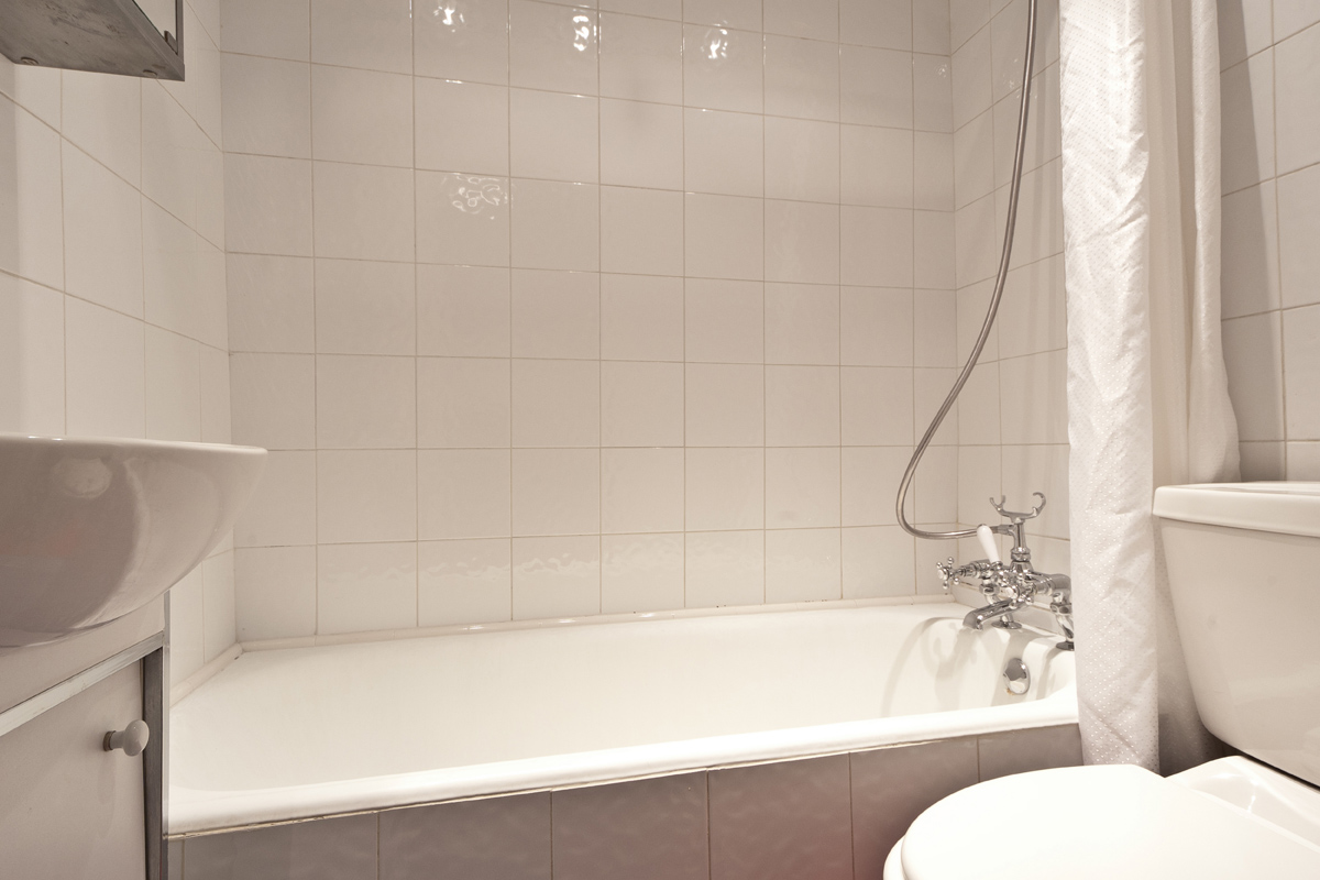 /media/11410/Molyneux-Street-1-Bathroom01.jpg